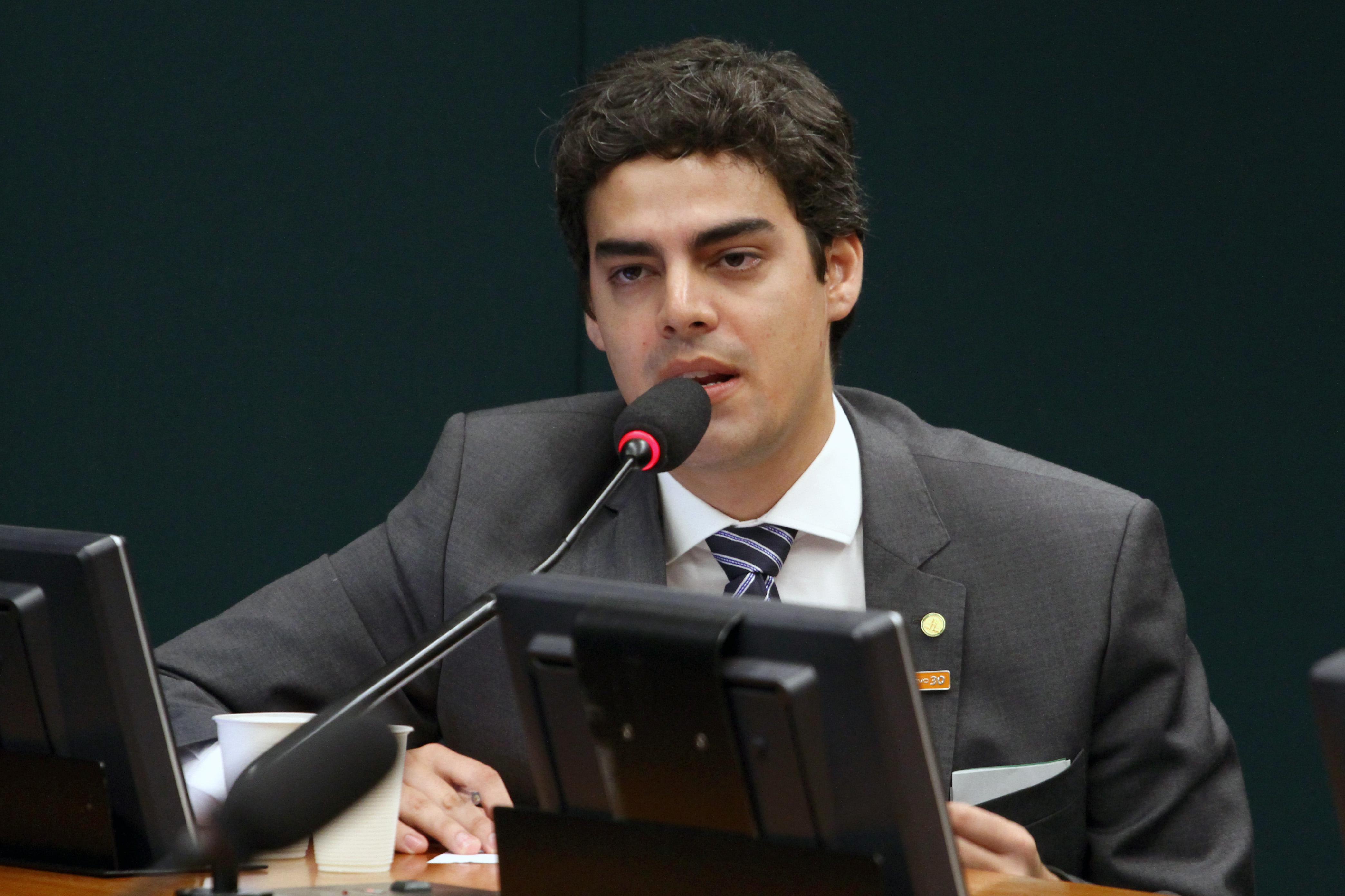 Tiago Mitraud apresentou emendas para o orçamento que beneficiam as universidades públicas