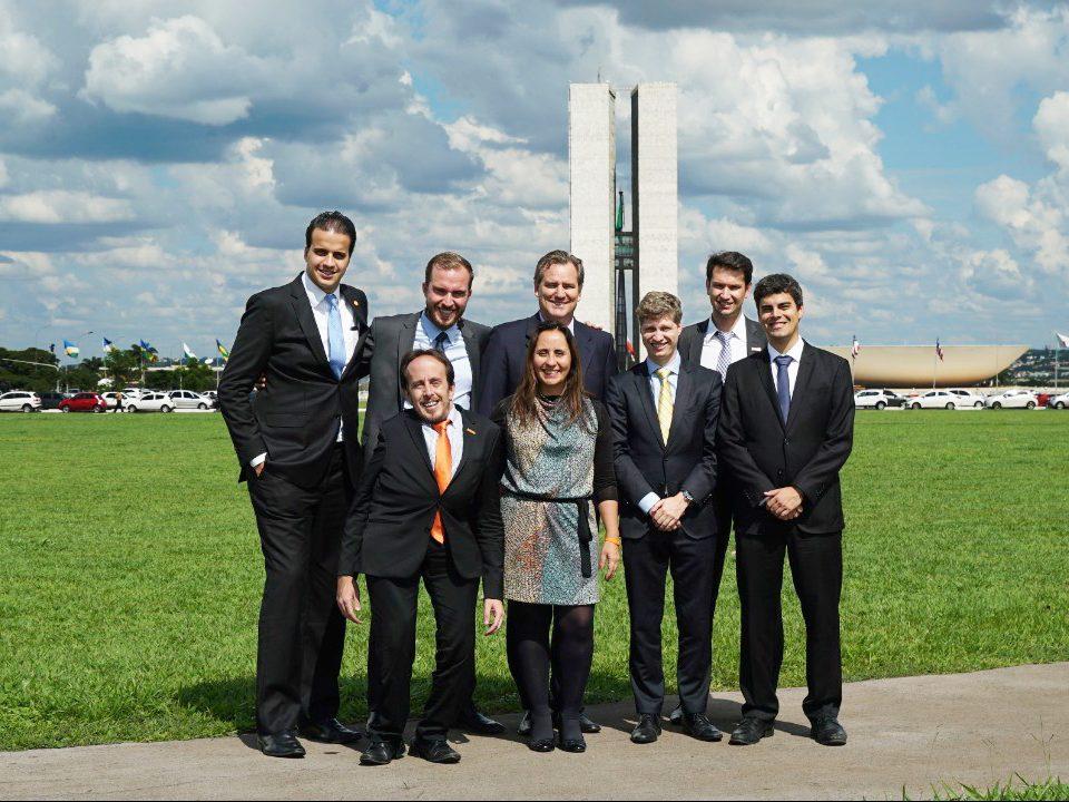 Os parlamentares que manterão gabinetes no recesso (Época, 22/07)