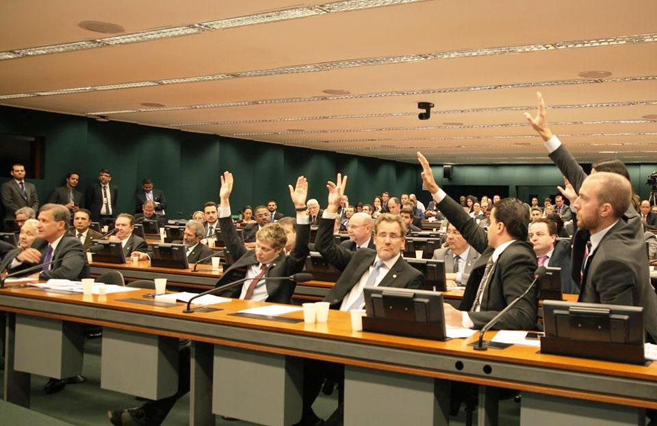 NOVO vota para impedir aumento do Fundo Eleitoral na Comissão Mista de Orçamento