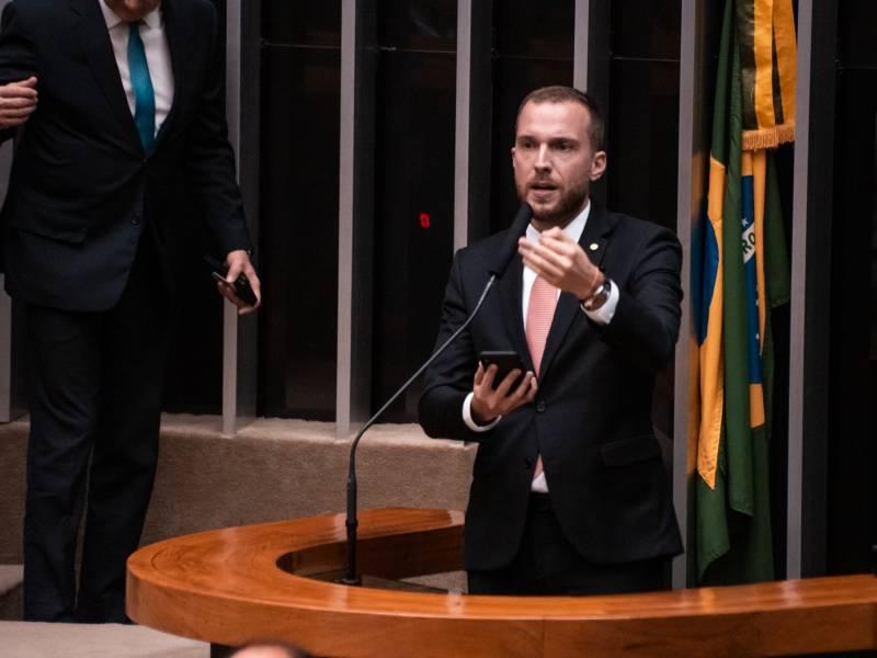 Banda Larga: Substitutivo do NOVO é aprovado, garantindo mais inclusão